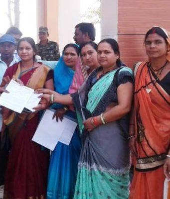 बासीन शराब भट्टी बंद करने की मांग को लेकर जिपं सदस्य के नेतृत्व में ग्रामीणो ने सौपा ज्ञापन