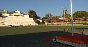 यहाँ गणतंत्र दिवस पर खाली मैदान को राज्यपाल ने किया संबोधित, जानिए आखिर क्या रही वजह