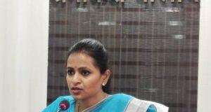 कलेक्टर रानू साहू ने 7 लापरवाह अधिकारियों