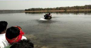 तांदुला जलाशय में नाव पलटने से पिकनिक मनाने गए नाविक सहित पांच लोग डूबे, तीन को बचाया गया दो की तलाश जारी