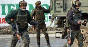 जम्मू-कश्मीर के त्राल में जारी है मुठभेड़, 3 आतंकी ढेर