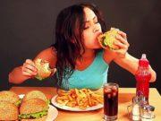 गर्मियों के मौसम में इन 5 चीजों के खाने से बचना चाहिए