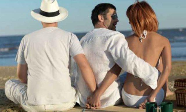 10 में से 7 शादीशुदा महिलाएं पति को धोखा देती हैं: सर्वे